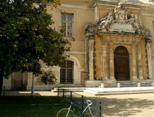 Porte monumentale des Jésuites