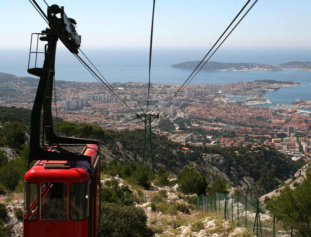 the toulon cable car a family outing to mont faron toulon tourist office. Black Bedroom Furniture Sets. Home Design Ideas