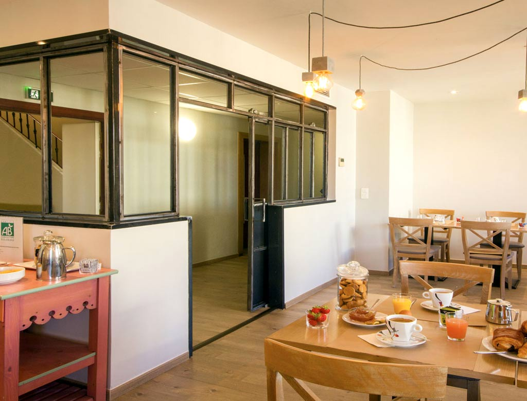 h tel grand h tel dauphin toulon tourisme. Black Bedroom Furniture Sets. Home Design Ideas
