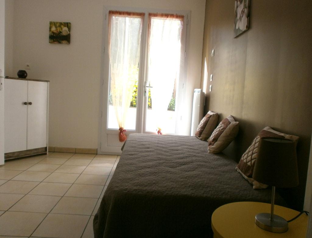 Appartement Rdc De Villa T3 45m Le Pradet Office