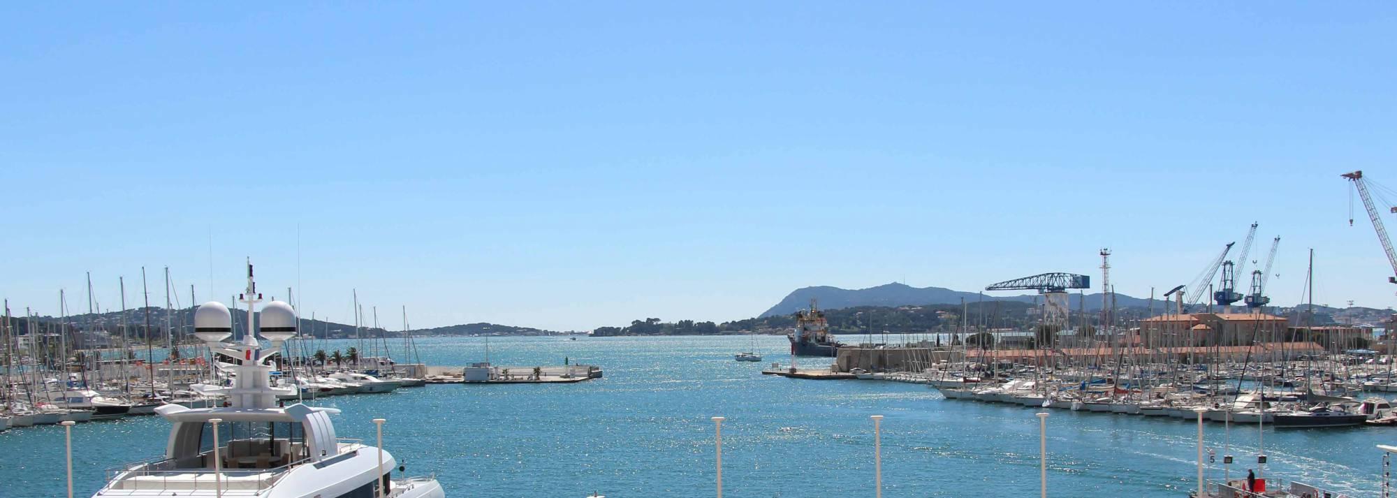 Location de vacances sur le port de toulon toulon tourisme - Office de tourisme la valette du var ...
