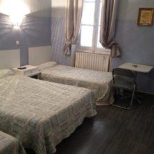 hotel les trois mûriers Toulon chambre famille