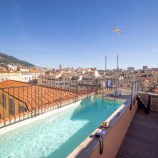 hotel piscine toulon